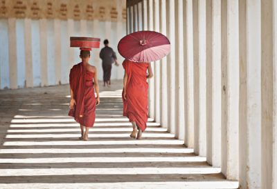 Monks in passageway of Shwezigon Pagoda in Bagan @ Birgit Neiser
