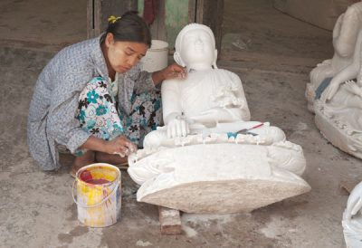 Today Mandalay is still a production centre for Buddha statues  @ Birgit Neiser