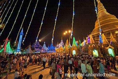 Shwedagon Pagoda in sea of lights in 2012 @ Birgit Neiser